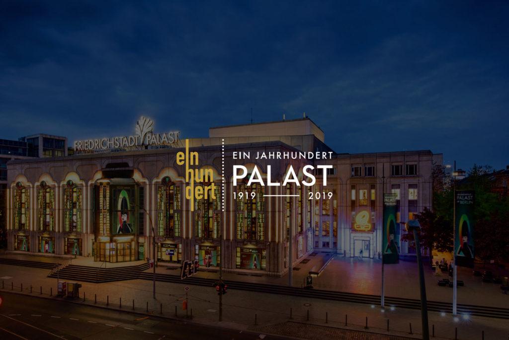Grafik für den Friedrich-Stadt-Palast: Zu sehen ist der Friedrich-Stadt-Palast bei Abend mit einem konzipierten Schriftzug.